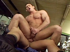 Handsome muscular dilf fuck a very cute muscle stud at work