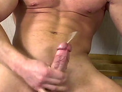 Sensual dude wank in the locker room until he cum on himself