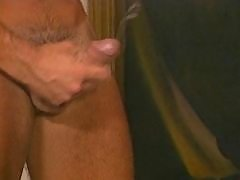 Hunk gets cum shower in threesome