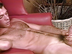 Sean Patton pops a clip of uncut guy Marc Brody !